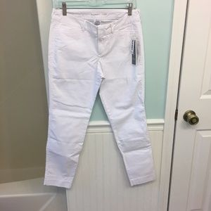 NWT Old Navy Stay White Pixie Ankle Length Pants